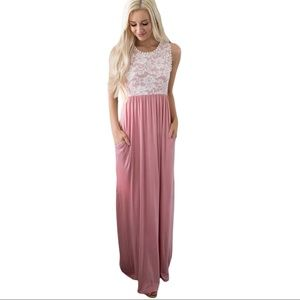 Dresses & Skirts - NEW Floral Lace Dusty Pink Sleeveless Maxi Dress M